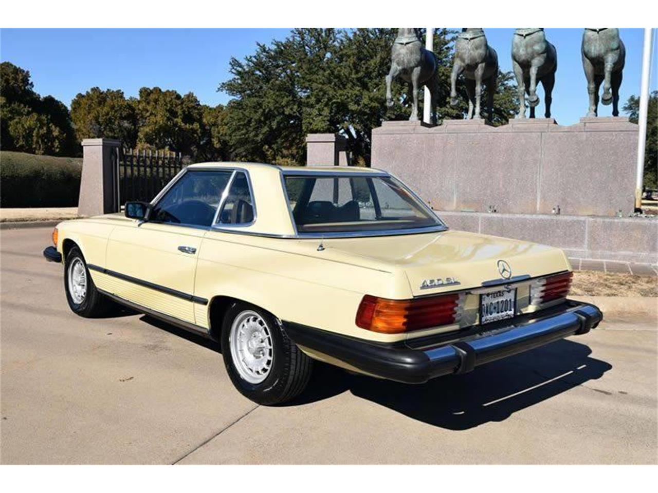 Large Picture of '79 Mercedes-Benz 450SL - O8W3