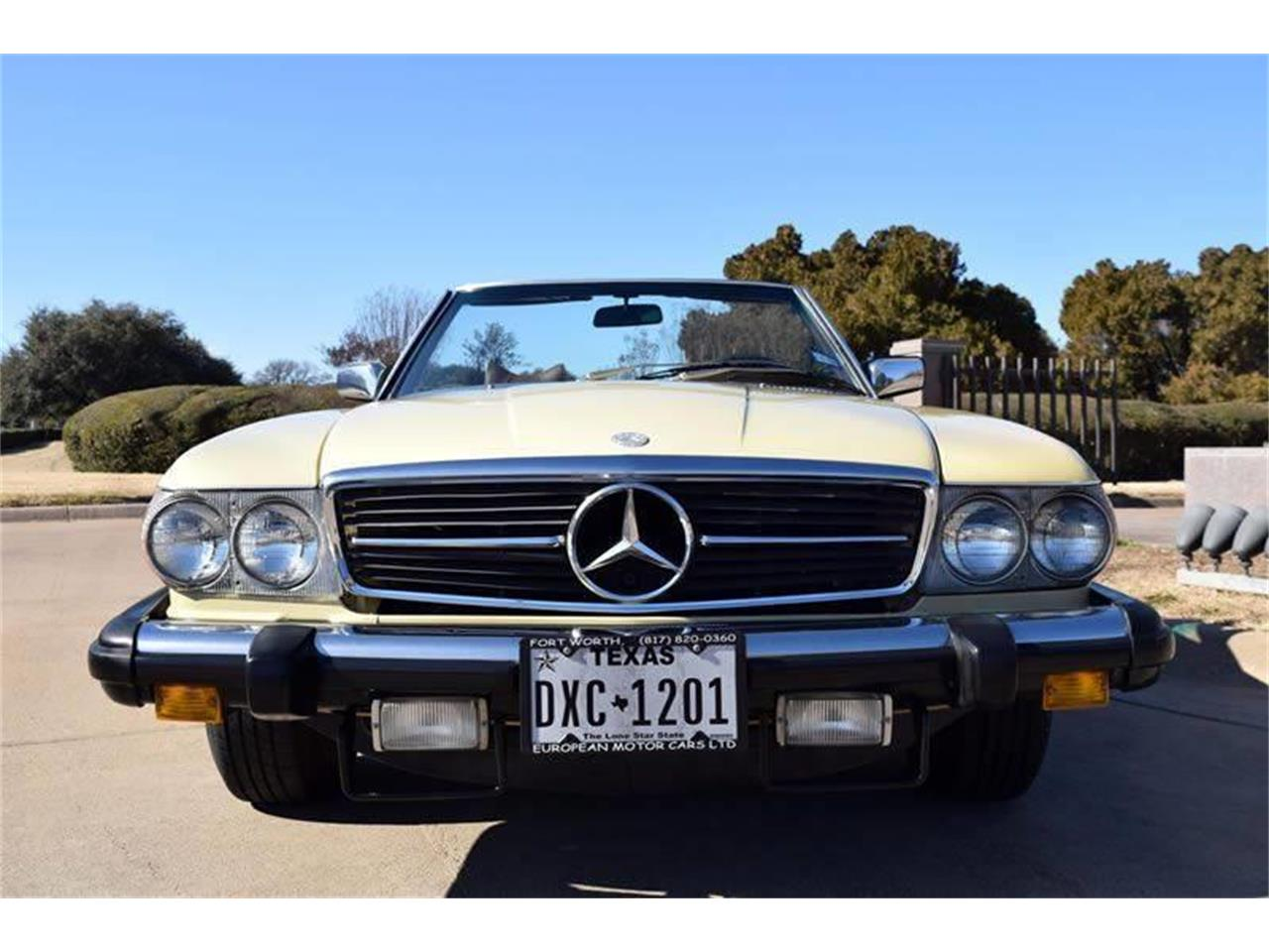 Large Picture of '79 450SL located in Fort Worth Texas Offered by European Motor Cars LTD - O8W3