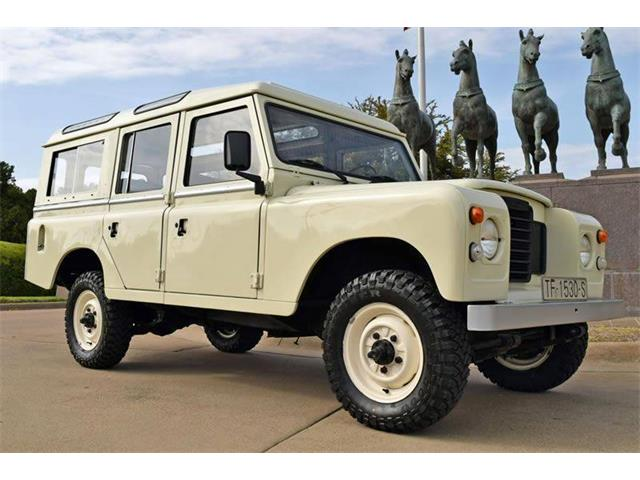 Picture of '83 Defender - O8WE
