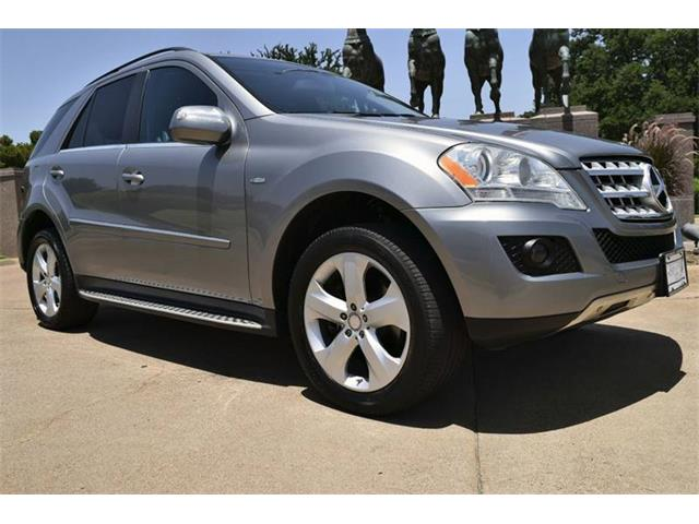Picture of '10 Mercedes-Benz M Class located in Fort Worth Texas - O8WV
