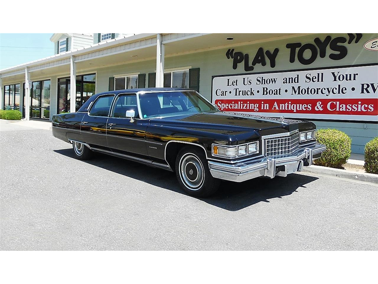 Large Picture of '76 Fleetwood - O97G