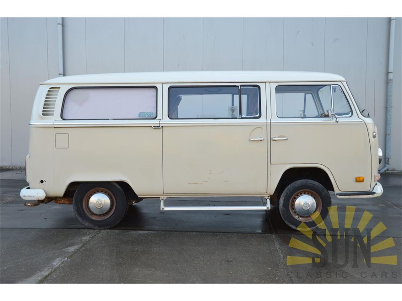 Large Picture of Classic 1972 Volkswagen Bus located in Waalwijk Noord Brabant Offered by E & R Classics - O9D9