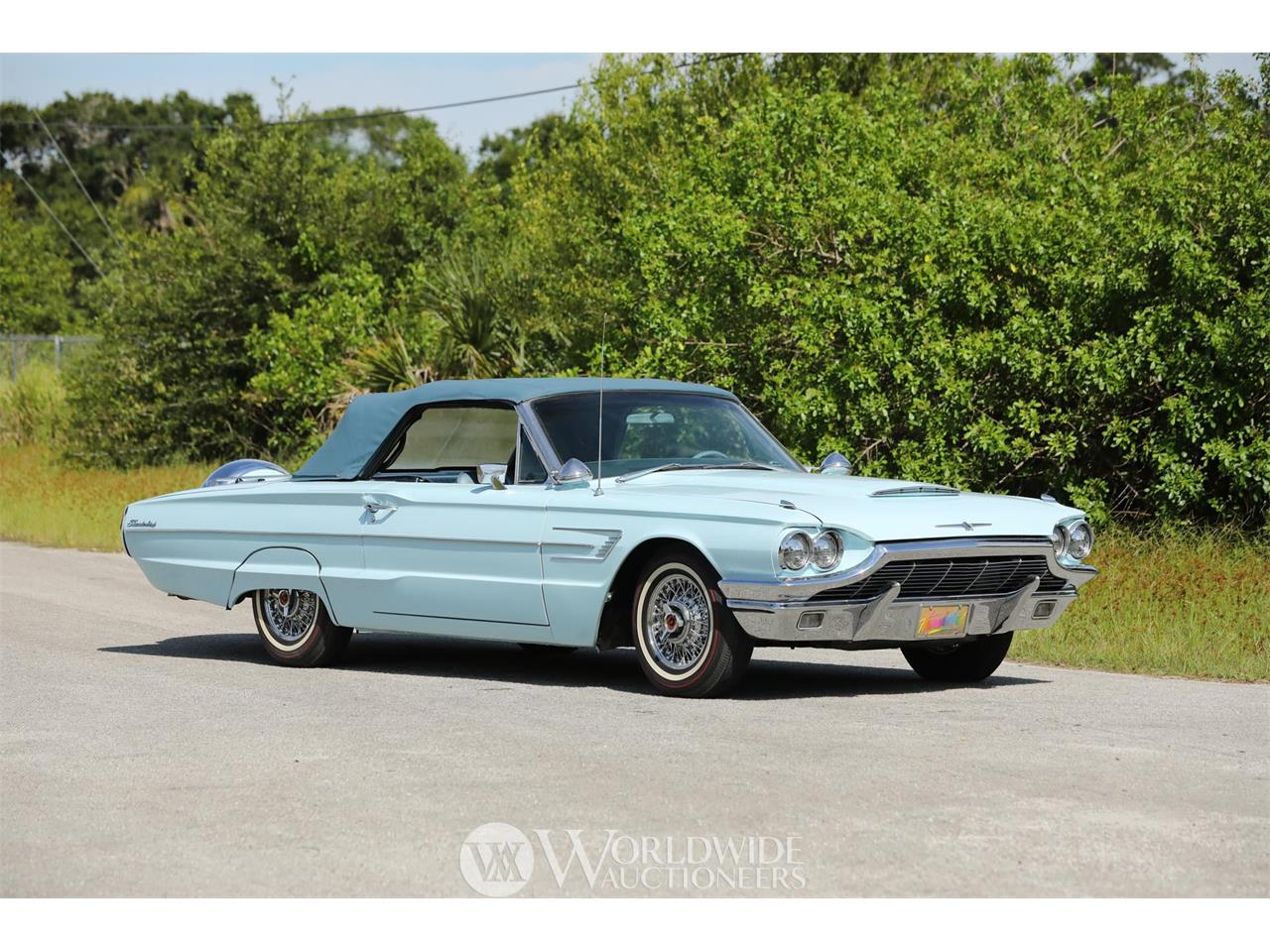 Large Picture of '65 Thunderbird - O82V