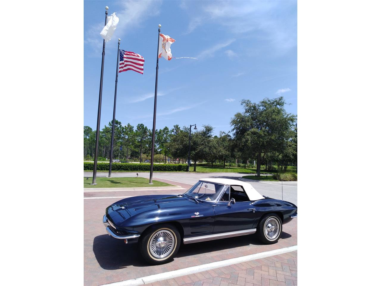 Large Picture of '64 Corvette - O9UI