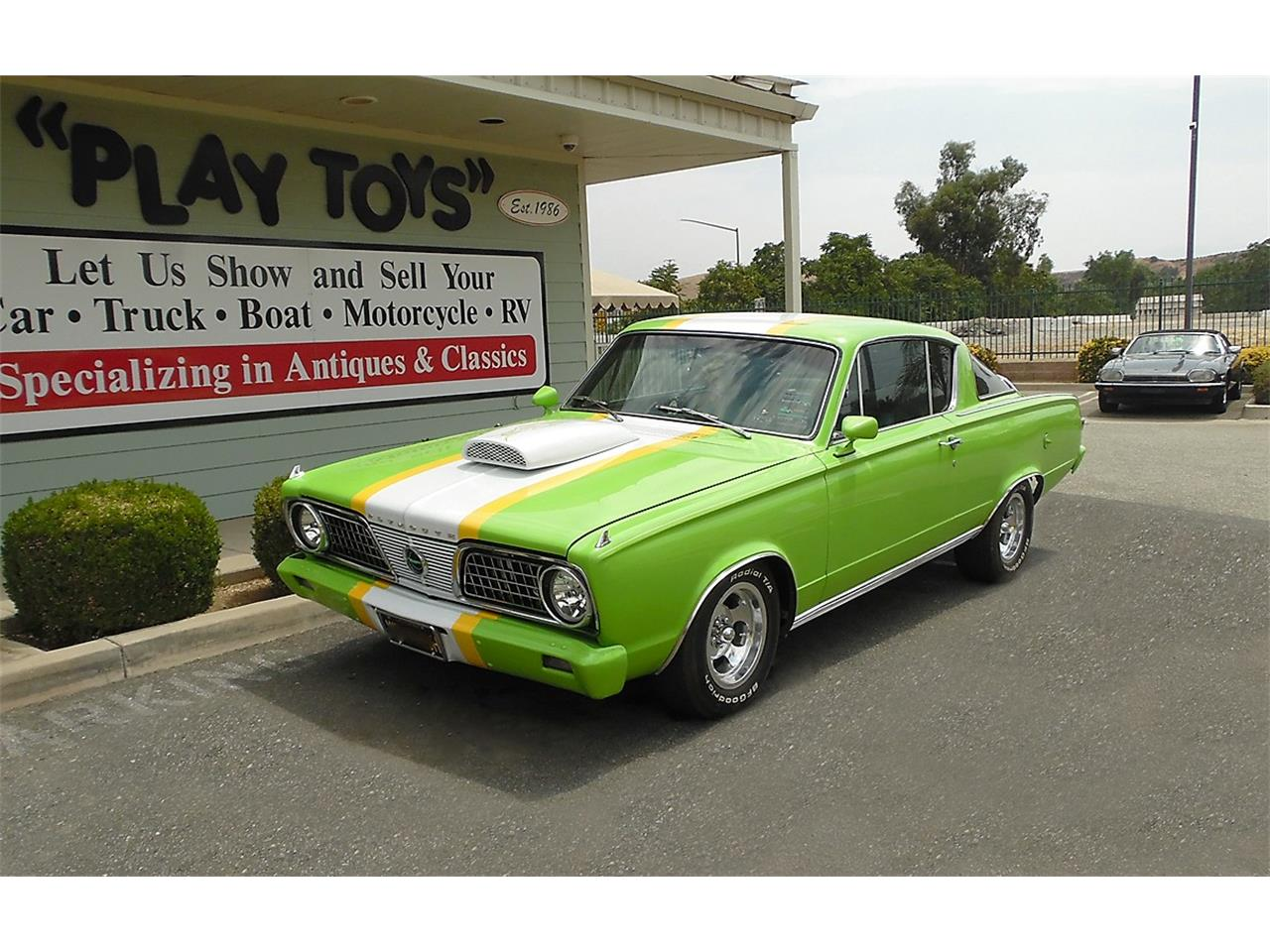 Large Picture of '66 Barracuda - O9UO