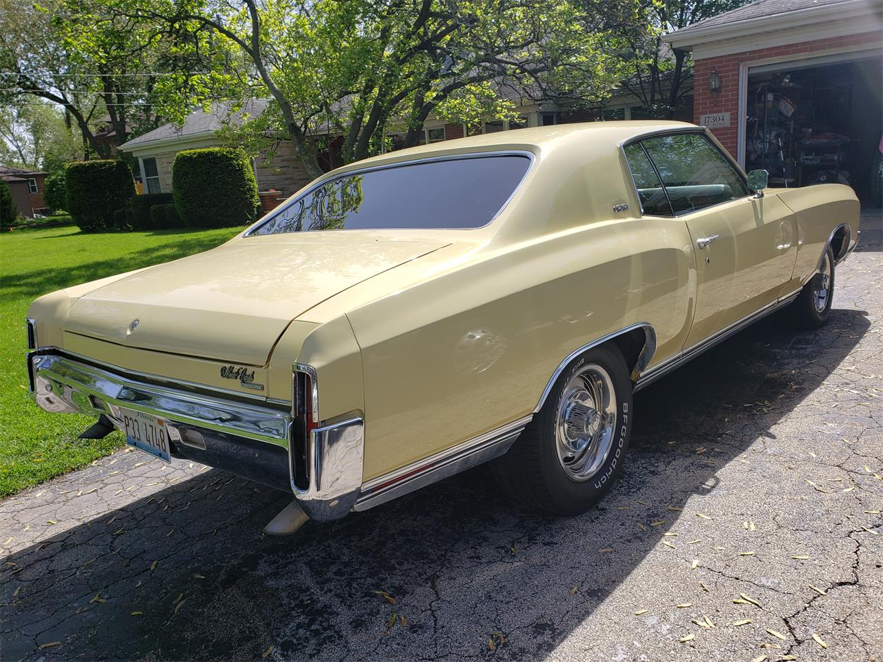 Large Picture of '70 Monte Carlo - O9V2