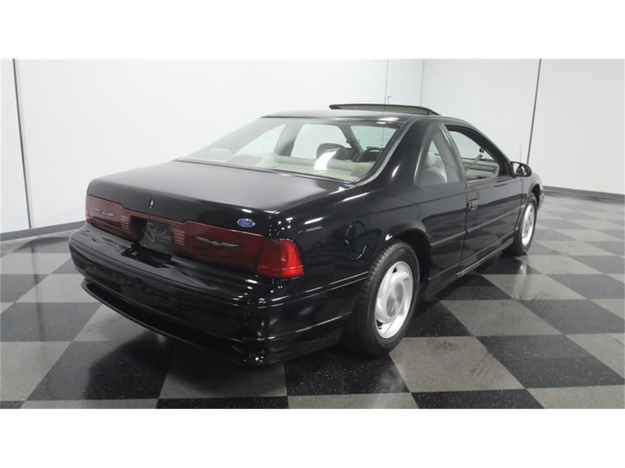 Large Picture of '91 Thunderbird - O9VZ