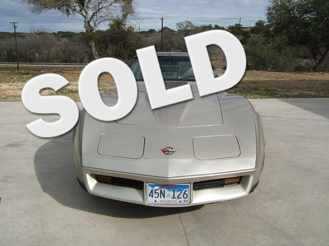 Picture of 1982 Chevrolet Corvette located in Texas Offered by  - OALC