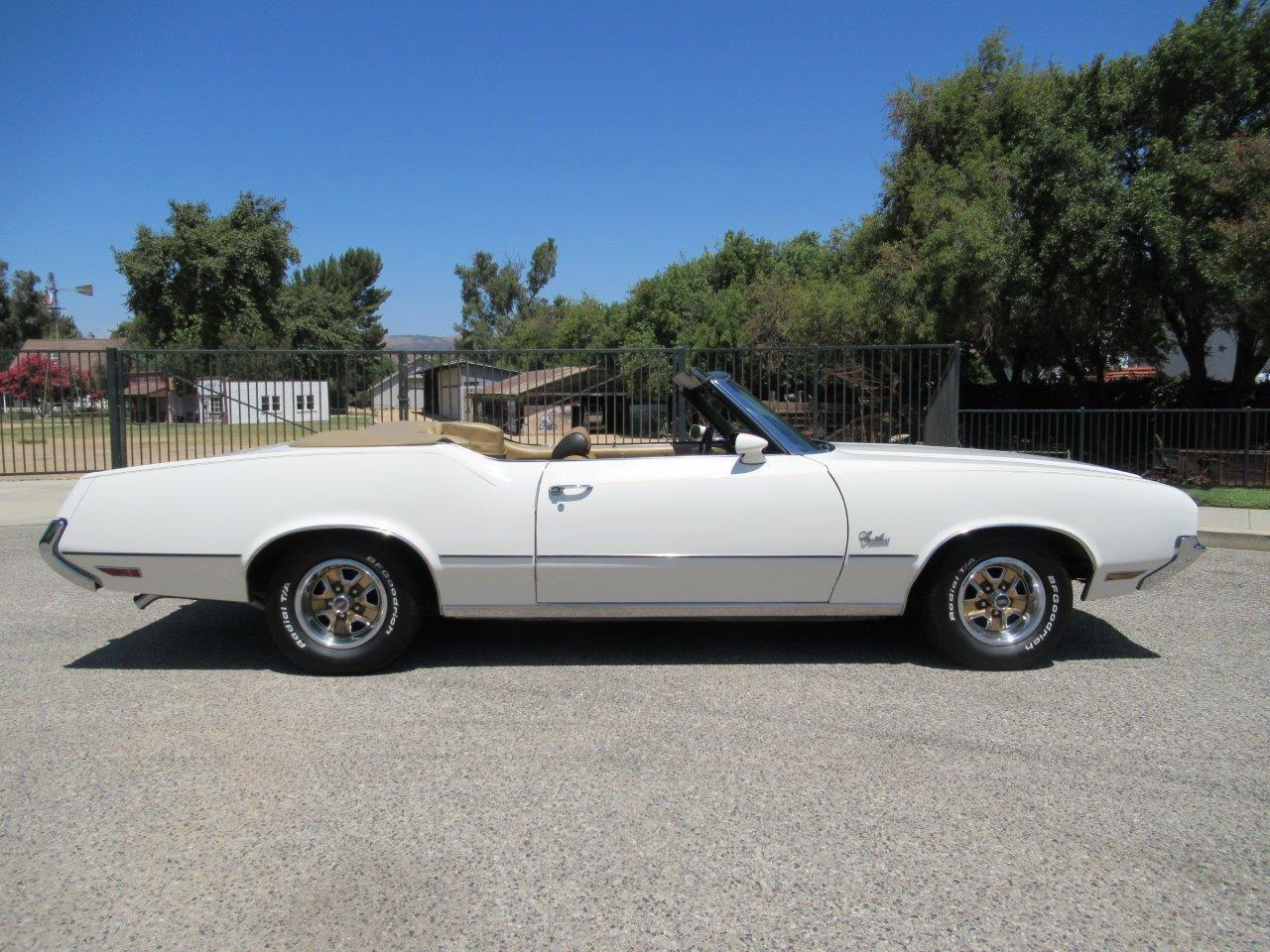 Large Picture of Classic 1972 Oldsmobile Cutlass Supreme located in California - $27,900.00 Offered by California Cars - OAPR