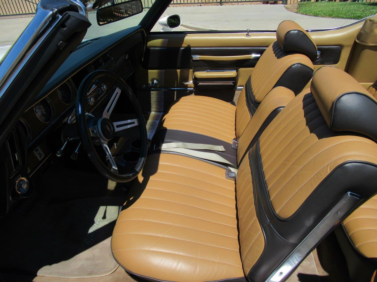 Large Picture of 1972 Oldsmobile Cutlass Supreme - OAPR