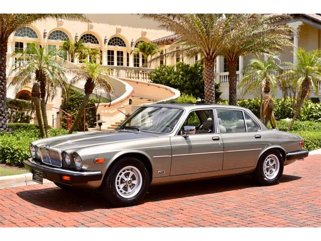 Picture of '87 XJ6 located in Delray Beach Florida Auction Vehicle - OB63