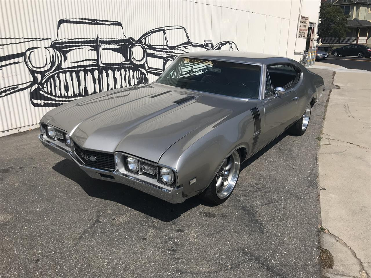 Large Picture of Classic '68 Oldsmobile 442 - OBCW