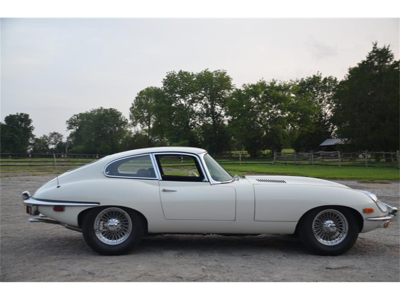 Large Picture of Classic '71 E-Type located in Lebanon Tennessee Offered by Frazier Motor Car Company - OBGE