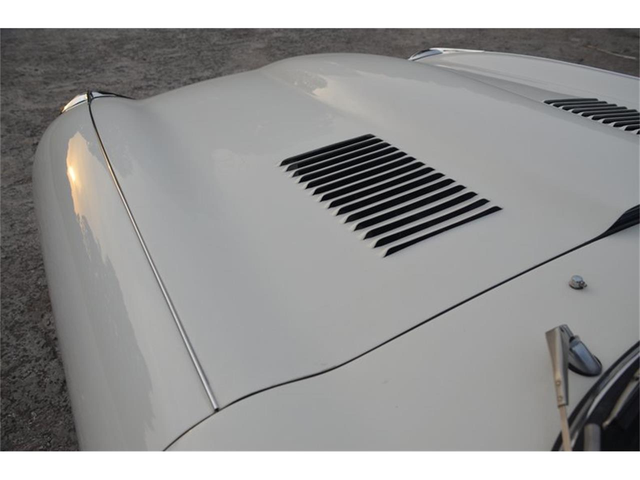 Large Picture of '71 E-Type Offered by Frazier Motor Car Company - OBGE