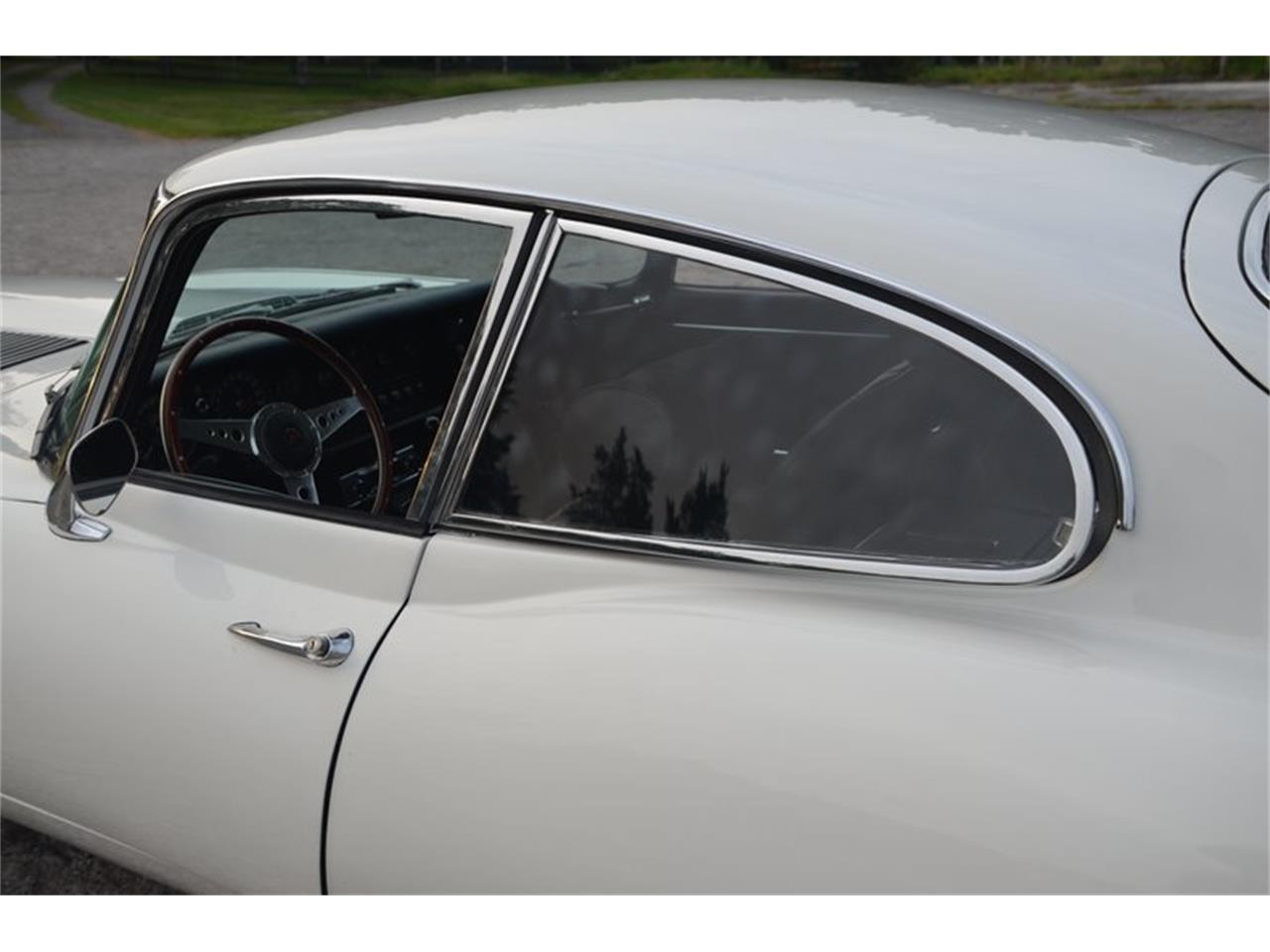 Large Picture of Classic '71 E-Type - OBGE