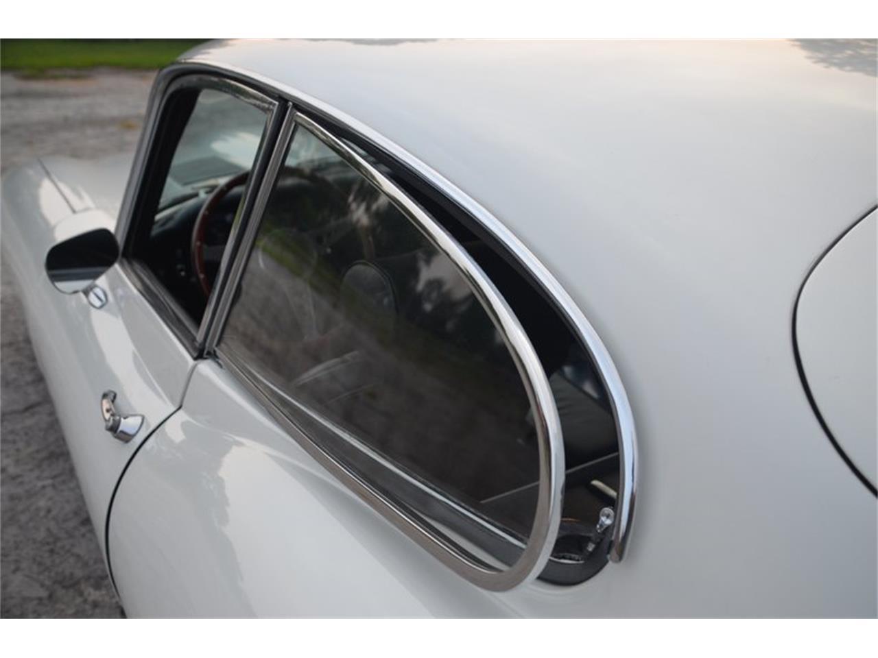 Large Picture of Classic 1971 Jaguar E-Type - OBGE