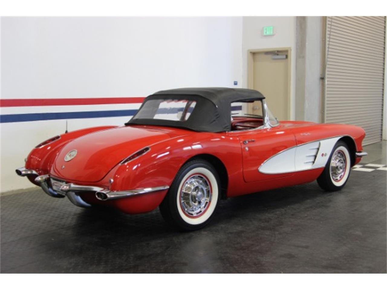Large Picture of Classic '60 Chevrolet Corvette located in California - OBXJ