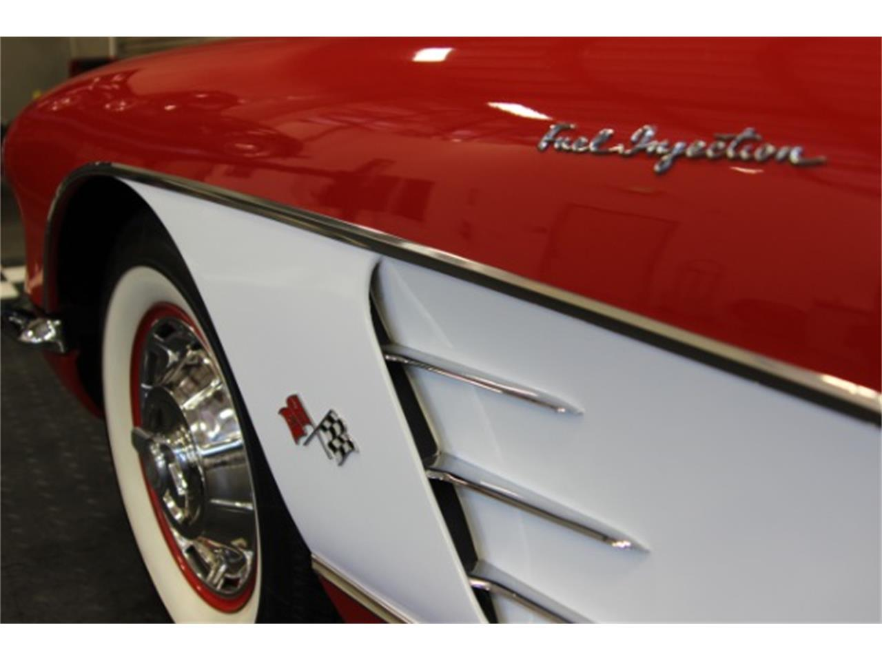 Large Picture of Classic '60 Chevrolet Corvette - OBXJ