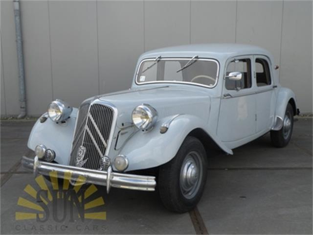 Picture of Classic 1951 Citroen Traction Avant located in Waalwijk noord brabant Offered by  - OC9H
