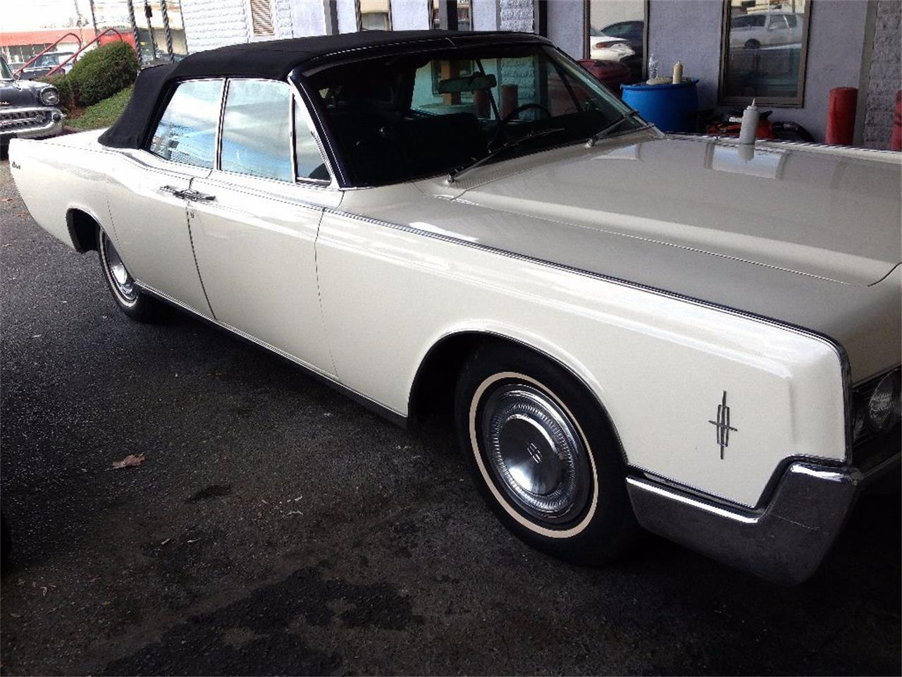 Large Picture of Classic 1966 Continental - $27,990.00 - OCC2