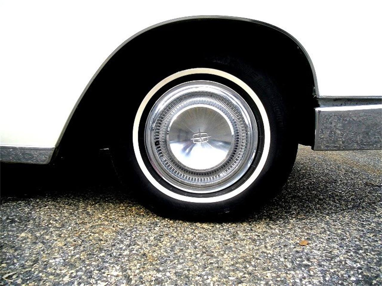 Large Picture of '66 Lincoln Continental - OCC2
