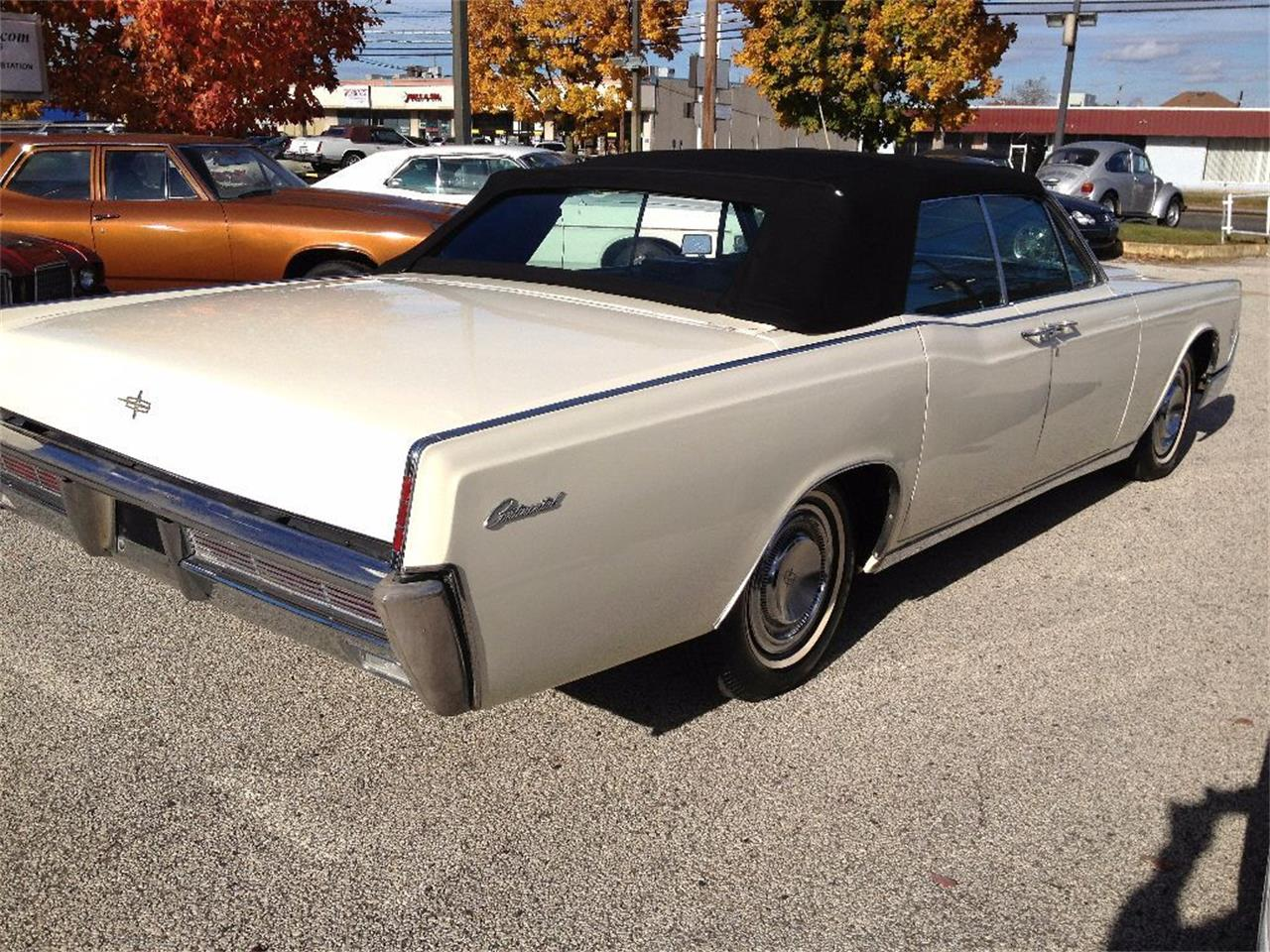 Large Picture of '66 Lincoln Continental - $27,990.00 - OCC2