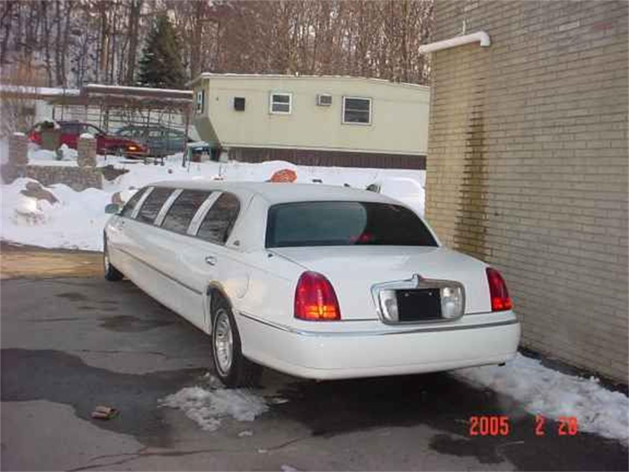 Large Picture of '01 Limousine - OCDN
