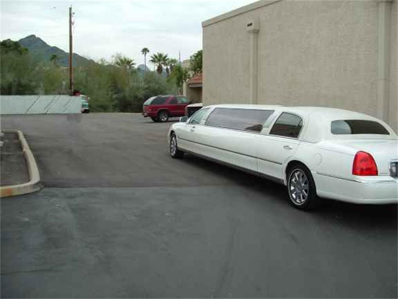 Large Picture of '03 Limousine - OCEI