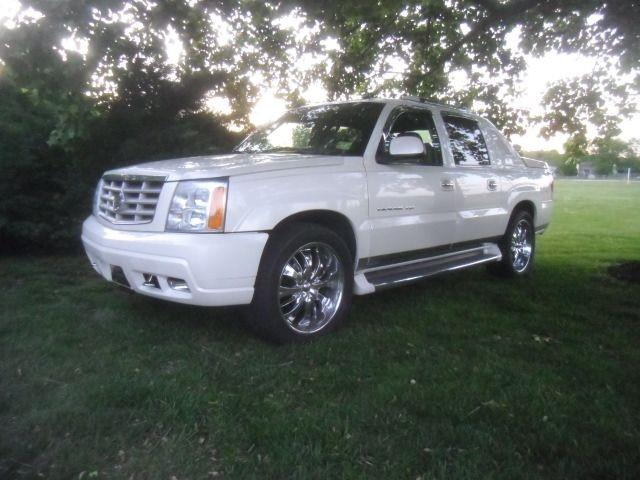 Picture of '04 Cadillac Escalade - $13,900.00 Offered by  - OCEJ