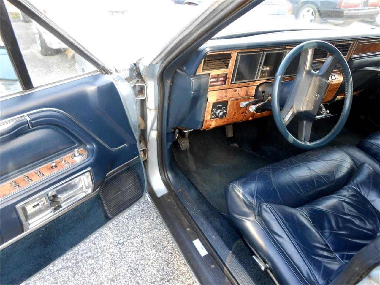 Large Picture of '87 Town Car - OCF5