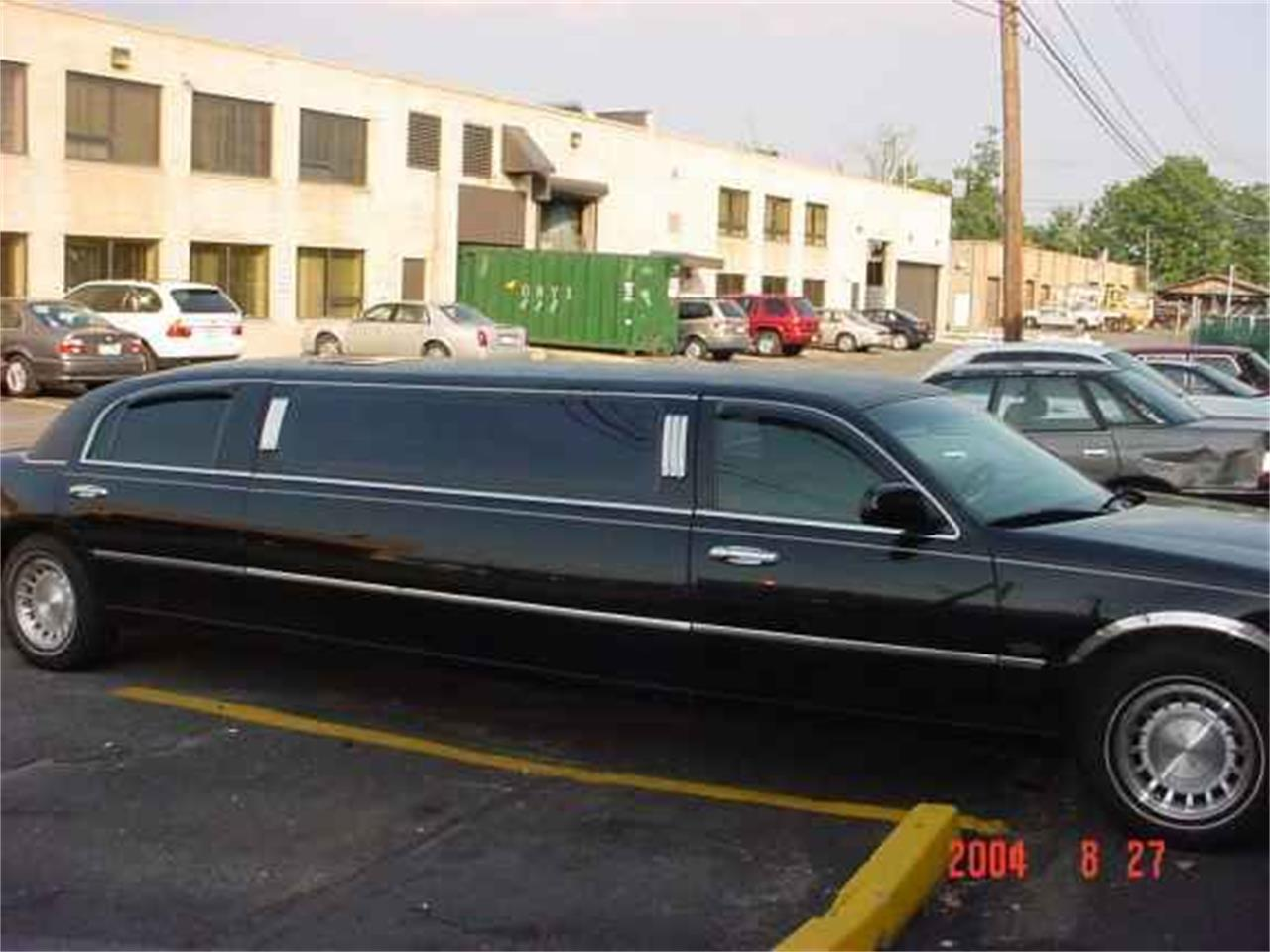 Large Picture of '03 Limousine - OCFC