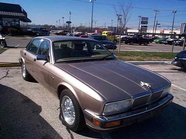 Picture of 1994 Jaguar XJ6 located in Stratford New Jersey - $8,900.00 Offered by  - OCFO