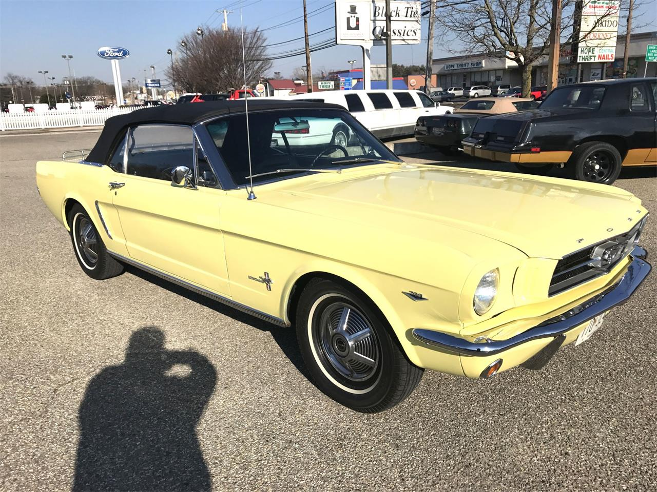 Large Picture of Classic 1965 Ford Mustang - OCOJ