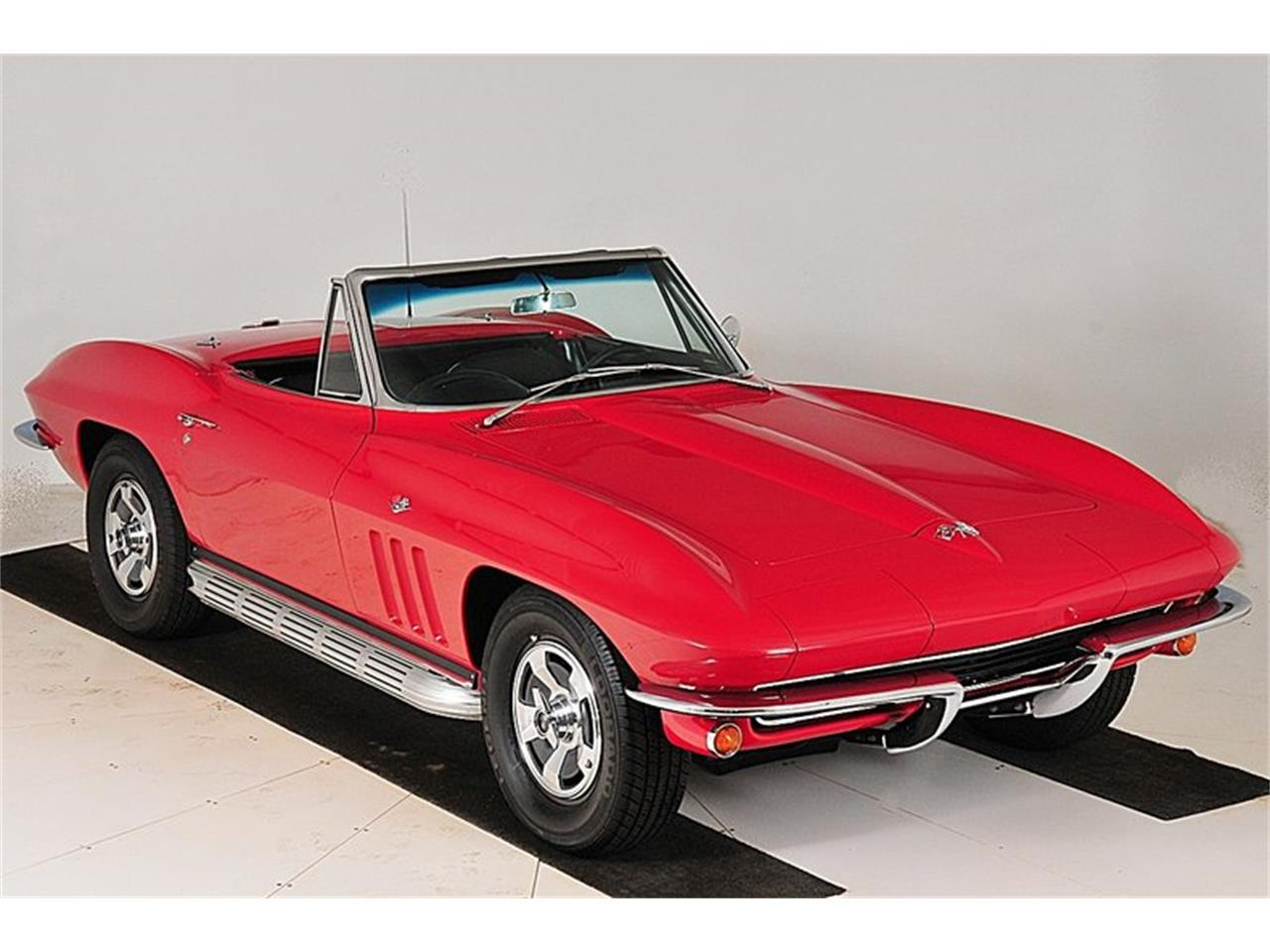 Large Picture of '65 Corvette - OCXU