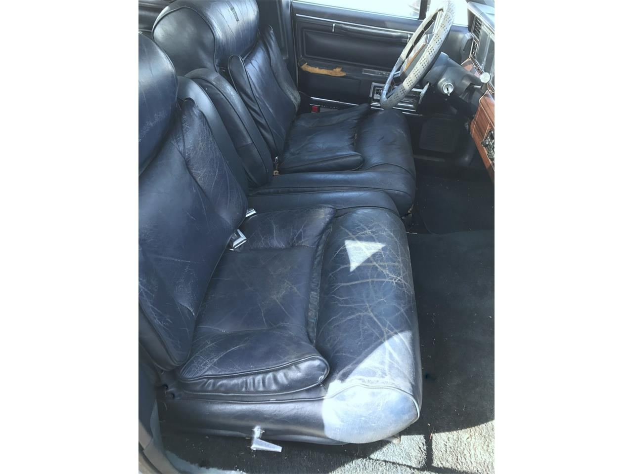 Large Picture of '88 Lincoln Town Car located in New Jersey - $3,990.00 - OCZ3