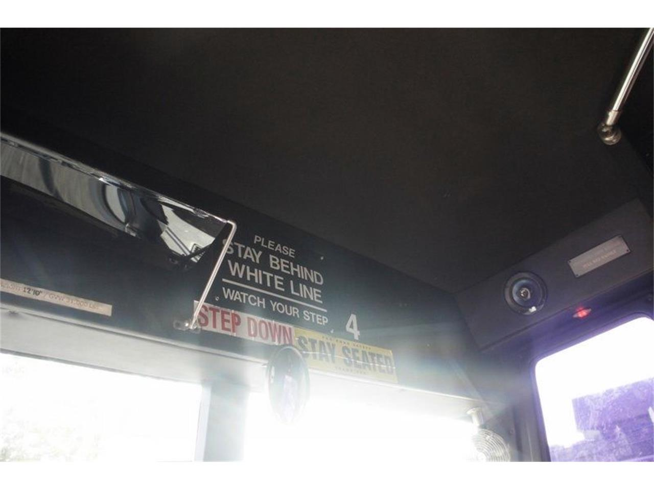 Large Picture of '03 Bus - OCZ7