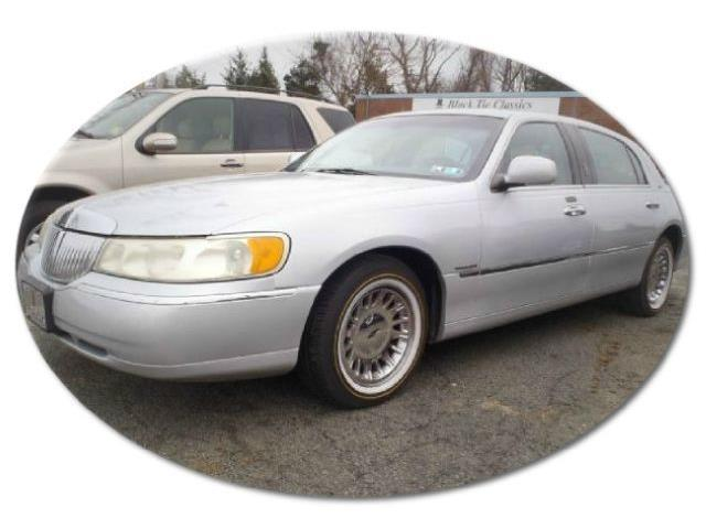 Picture of '01 Town Car - OCZB