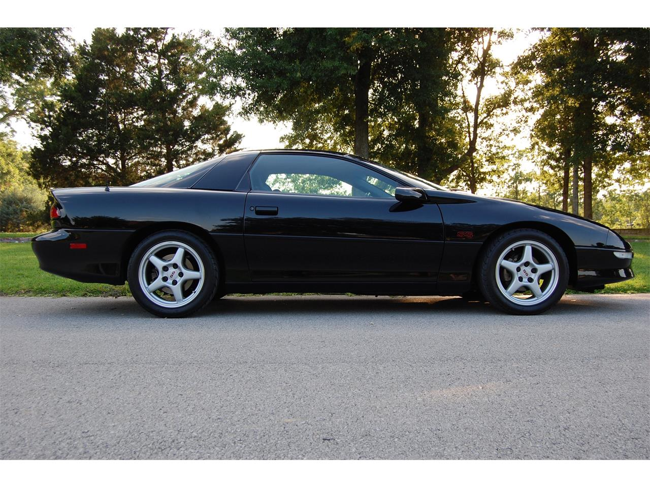 Large Picture of 1996 Chevrolet Camaro SS located in Louisiana - O8FP