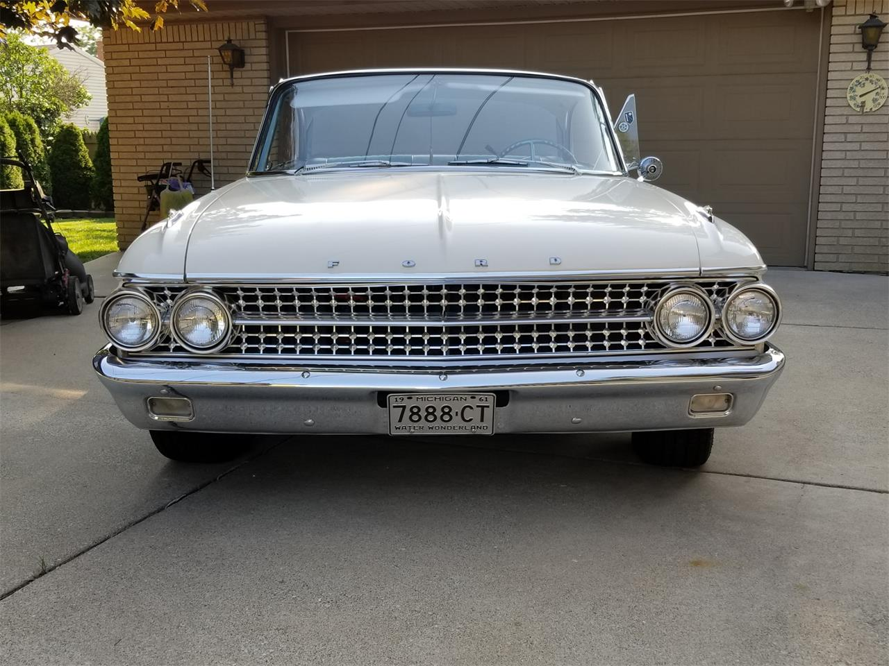 Large Picture of Classic 1961 Starliner Offered by a Private Seller - O8G1