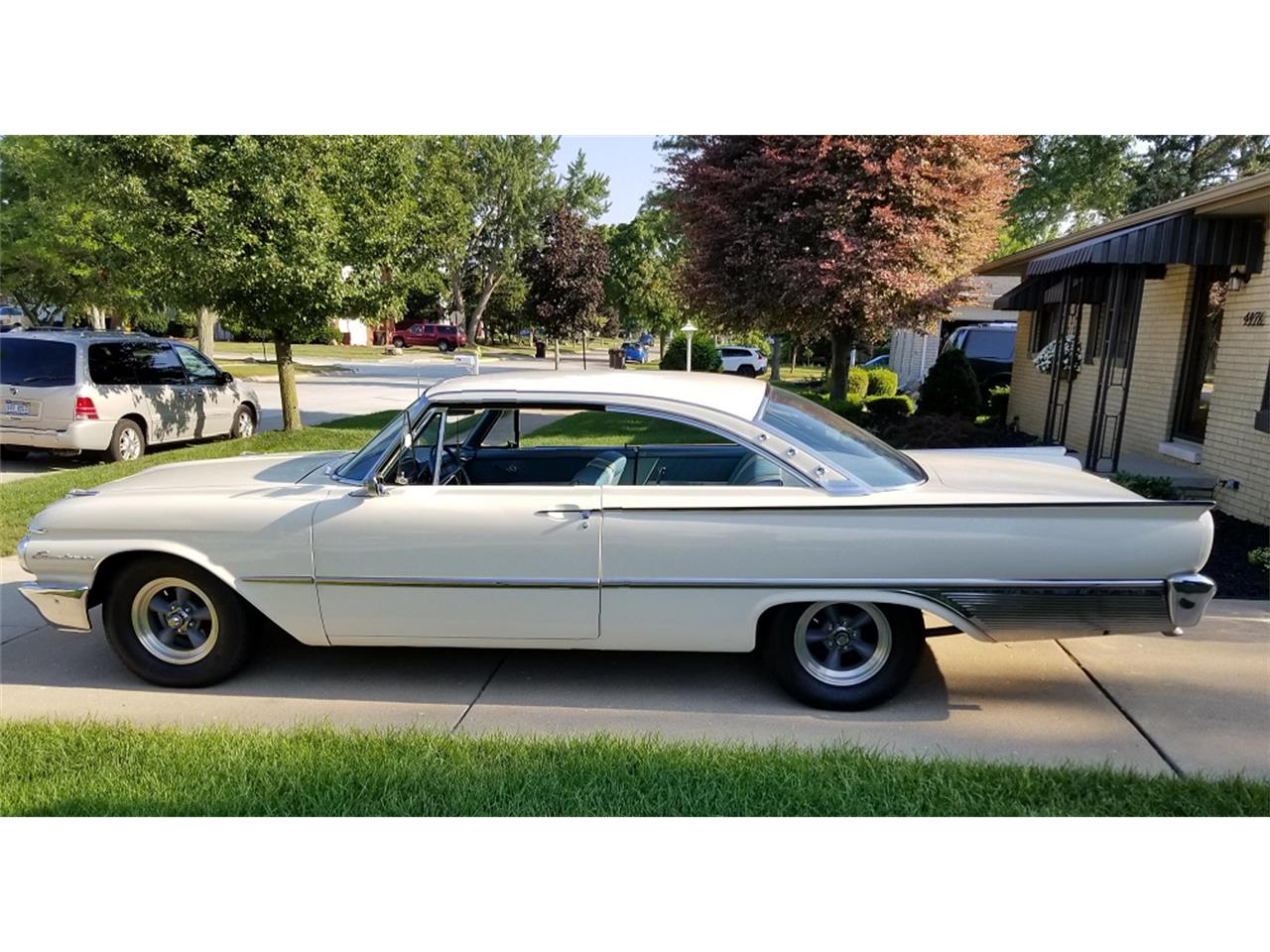 Large Picture of Classic '61 Ford Starliner Offered by a Private Seller - O8G1