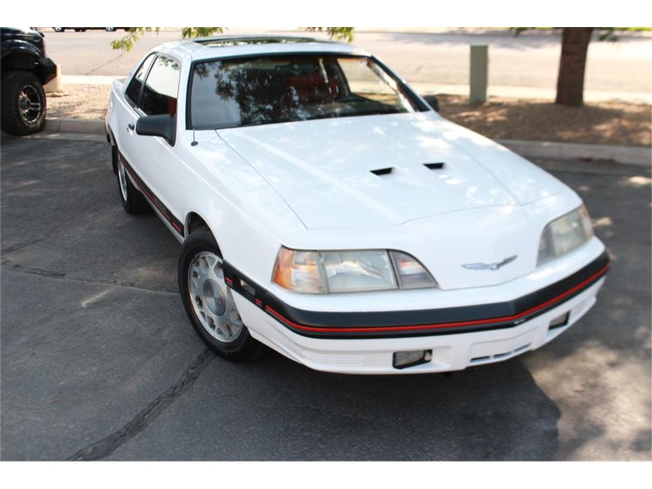 Large Picture of 1988 Ford Thunderbird located in Vernal Utah - OE4V