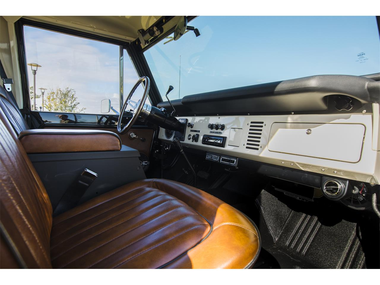 Large Picture of 1976 Ford Bronco Offered by Velocity Restorations - OEPC