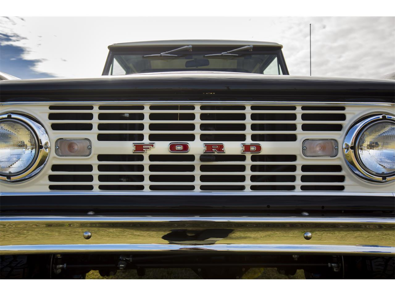 Large Picture of 1976 Ford Bronco located in Florida - $159,999.00 Offered by Velocity Restorations - OEPC
