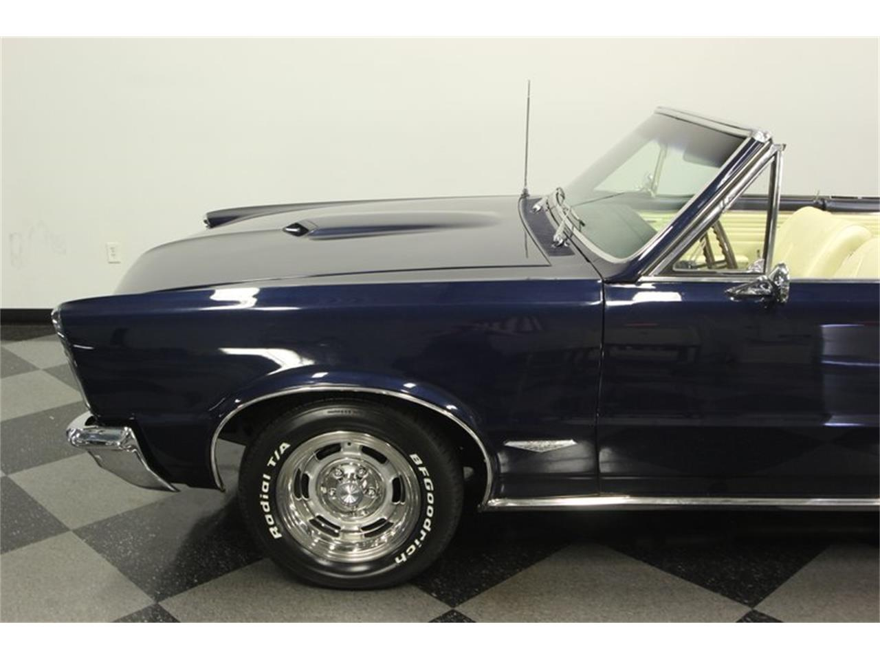 Large Picture of Classic '65 Pontiac GTO - $57,995.00 - OESH