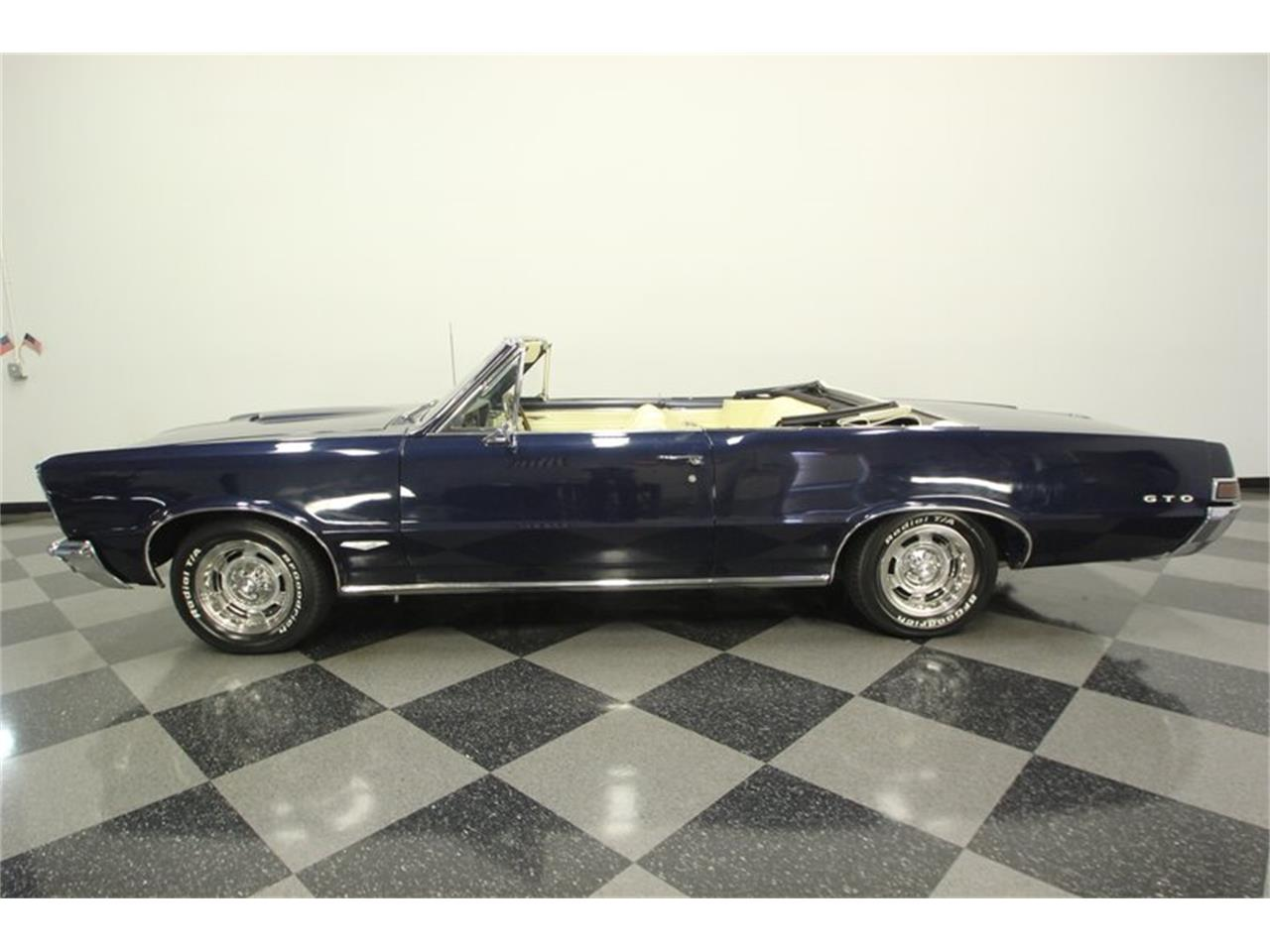 Large Picture of '65 Pontiac GTO Offered by Streetside Classics - Tampa - OESH