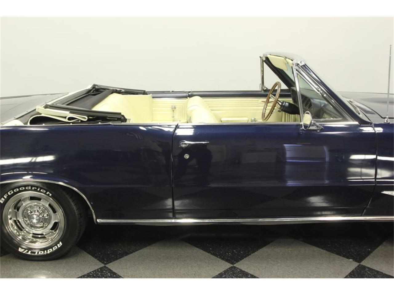 Large Picture of 1965 GTO Offered by Streetside Classics - Tampa - OESH