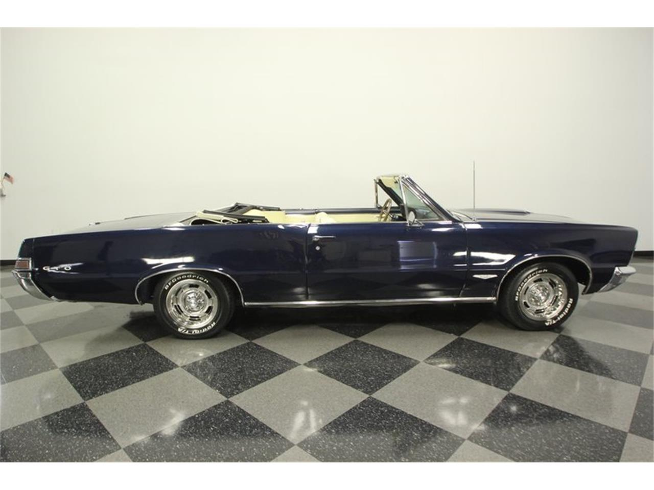 Large Picture of 1965 Pontiac GTO located in Florida Offered by Streetside Classics - Tampa - OESH