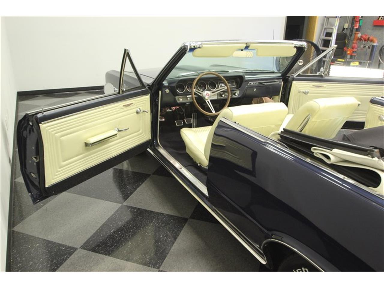Large Picture of Classic 1965 GTO located in Florida - $57,995.00 - OESH