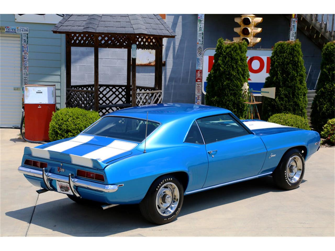 Large Picture of '69 Camaro - O8O3