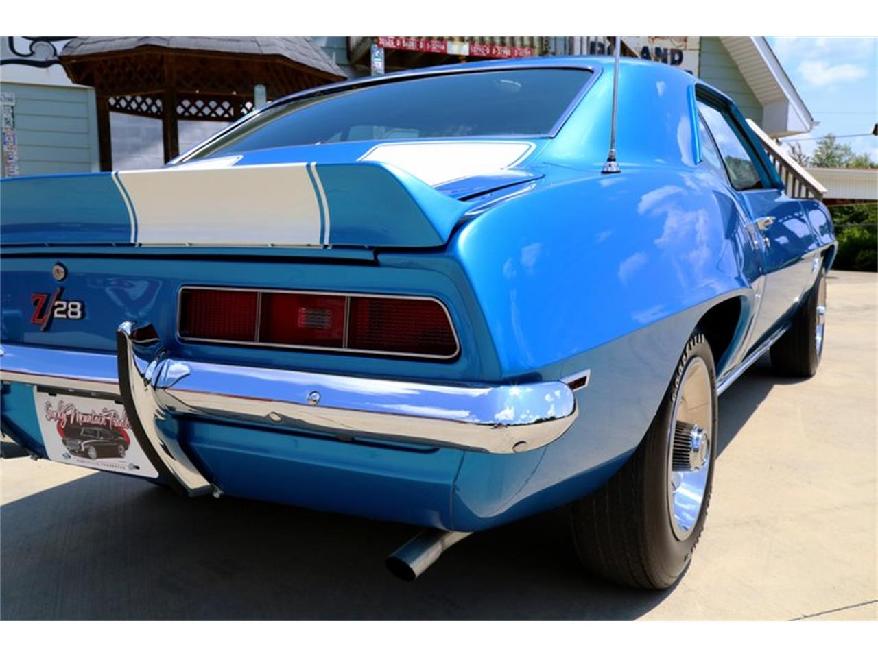 Large Picture of Classic '69 Chevrolet Camaro located in Lenoir City Tennessee Offered by Smoky Mountain Traders - O8O3